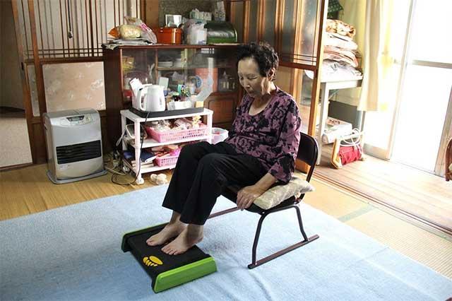 ららふるは、高齢者がひとりでも安全に運動できるエクササイズマシンです